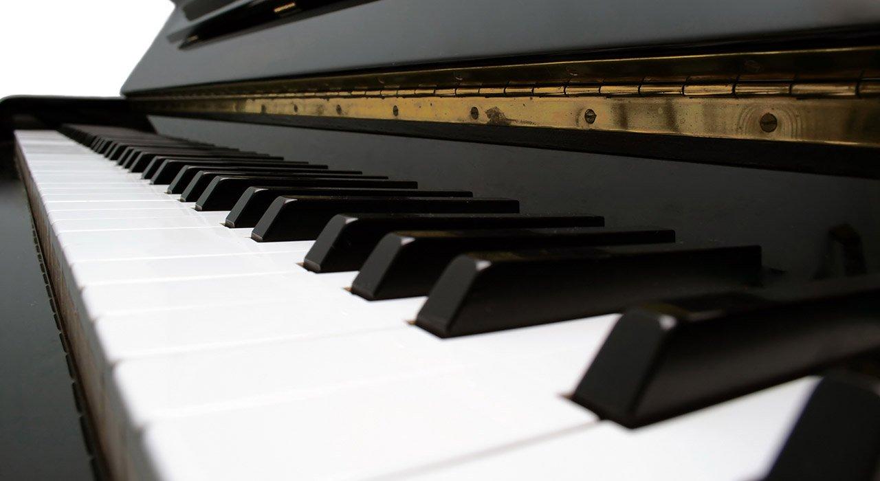 Combien coûtent les cours de piano en ligne?